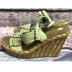 Envy Women's sz 9 Heels Wedge Sandal Green Leather